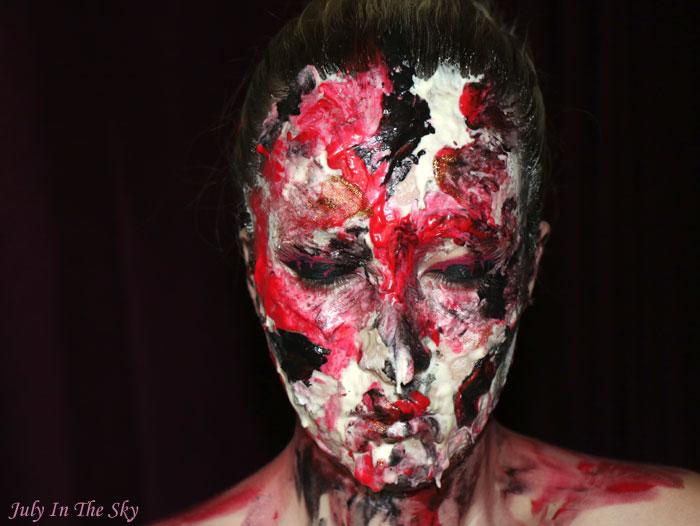 Art&Freak Show : Bloody Alien