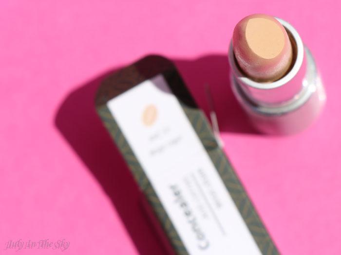 blog beauté colorisi maquillage naturel café anti âge correcteur beige léger